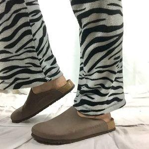 Birki's Closed Toe Clog Sandals 265s Tan EU 41